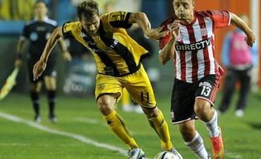 Estudiantes lo dio vuelta en el final y le ganó a Santamarina en su debut en la Copa Argentina