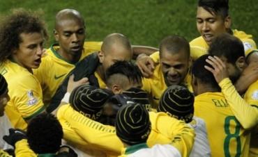 El el final, Brasil salvó el debut y se llevó el triunfo ante Perú