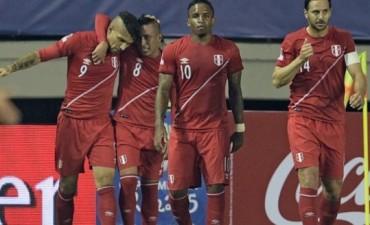 Perú eliminó a Bolivia y buscará su boleto a la final frente a Chile