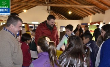 Delegaciones escolares visitan el museo interactivo de ciencias itinerante de CAFESG