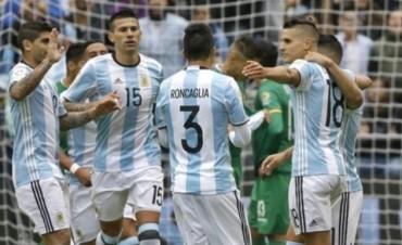 A la Argentina le sobró para vencer a Bolivia, y Messi se guardó el récord