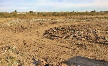 Trabajos de saneamiento, mantenimiento y ordenamiento en el predio del ex basural