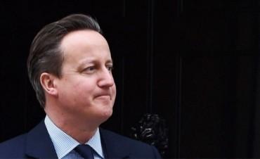 Renunció Cameron luego de que británicos eligieran abandonar la Unión Europea