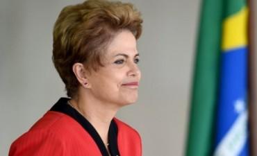 Peritos del Senado rechazaron acusación contra Dilma por impeachment