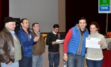 Autoridades Municipales participaron de la entrega de certificados a personal de salud