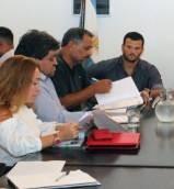 El gobierno presentó una oferta salarial superadora y los gremios consultarán con las bases