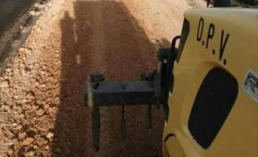 Vialidad recupera caminos en zonas rurales del departamento Villaguay