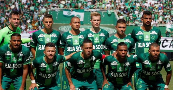 Chapecoense ganó y lidera el Brasileirao