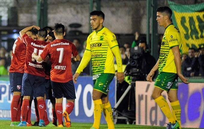 El Rojo bajó al Halcón y quedó ahí de la zona de Libertadores