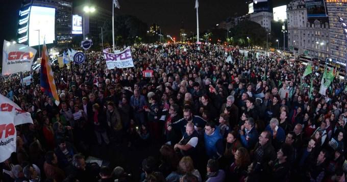 Multitudinaria protesta porquita de pensiones a discapacitados