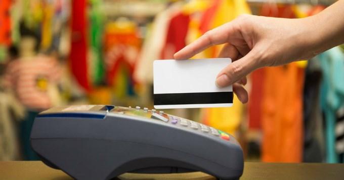 Sube la tasa de interés en tarjetas no bancarias