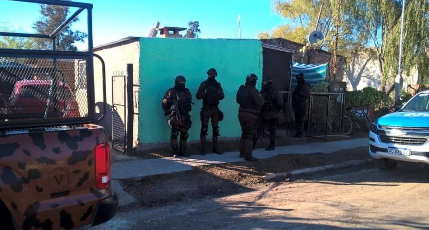 NARCOTRAFICO: OPERATIVO CON DETENCIONES EN BOVRIL