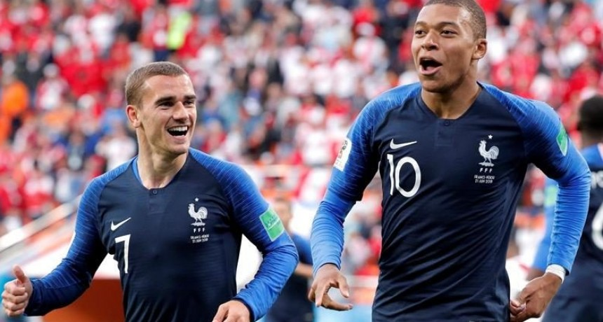 Francia se metió en octavos y eliminó a Perú del Mundial de Rusia