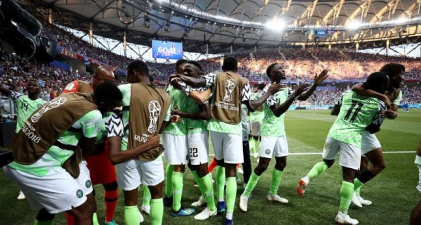 Argentina respira: Nigeria le ganó a Islandia y la Selección sueña con clasificarse