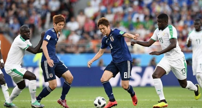 Japón y Senegal igualaron y son líderes de su grupo a una fecha para el final