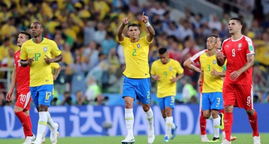 Brasil derrotó con autoridad a Serbia y ya está en Octavos del Mundial