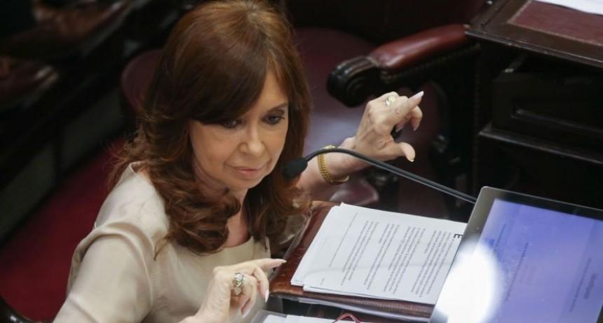 Cristina Fernandez de Kirchner le pide a Macri que saque la palabra