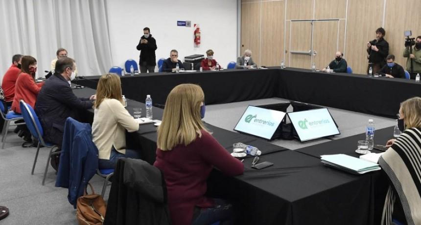 Bordet analizó la situación epidemiológica de la provincia con el COES