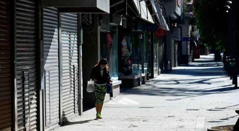 El desempleo bajó y se ubicó en el 10,2% en el primer trimestre