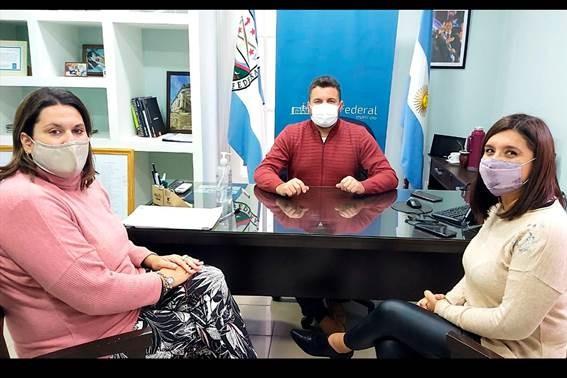 LA PROVINCIA FORTALECE LAS POLÍTICAS EN MATERIA DE GÉNERO CON LOS MUNICIPIOS
