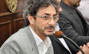 Eduardo Taleb muestra su gestión documentada