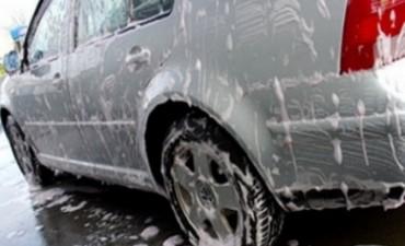 Vecino denuncia a Lavadero de autos de calle Urquiza en Federal