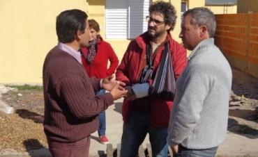 En reunión con los adjudicatarios, IAPV y constructora prometieron solución
