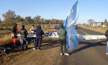 Vecinos del Barrio IAPV cortaron la ruta 127 para reclamar
