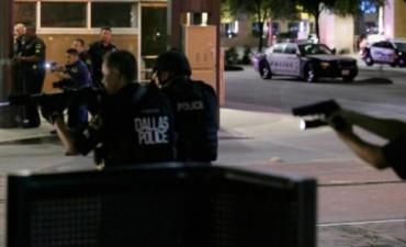 EEUU: francotiradores mataron a cinco policías en una protesta