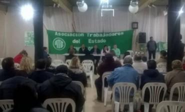 Delegados de ATE analizaron en un plenario la oferta elevada al Gobierno