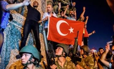 Turquía: presidente asegura que dio por finalizado el intento de golpe