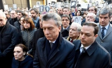 Macri asistió al acto por la AMIA y se retiró antes del inicio de los discursos