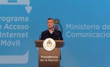 Macri lanzó el Plan de Acceso a Internet Móvil y anunció inversiones