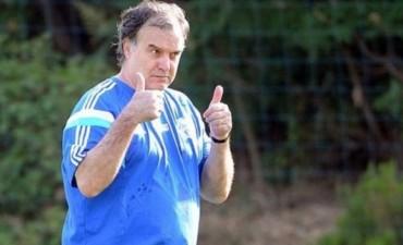 Reunión cumbre en Rosario para que Bielsa agarre el timón de la Selección