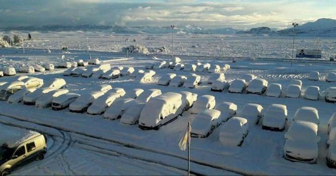 Tapados por la nieve: Impactantes fotos de Bariloche