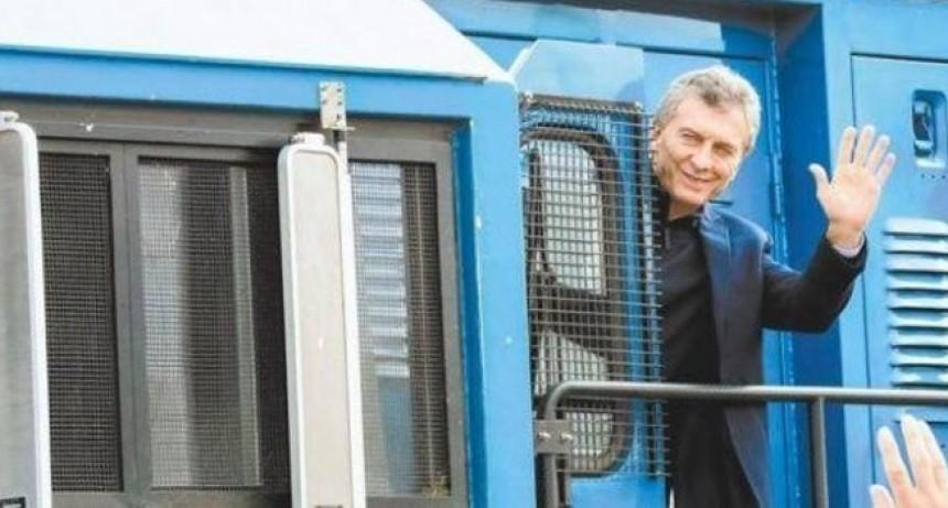 Se accidentó un tren horas después de ser inaugurado por Macri, y las redes explotaron