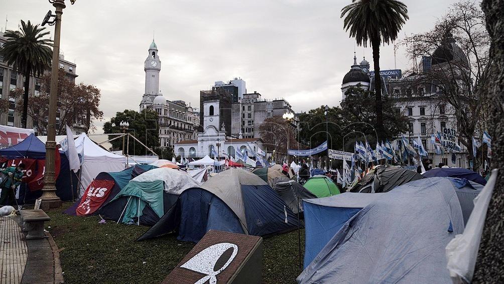 2.000 DÍAS DETENIDA EN JUJUY  Continúa en la Plaza de Mayo el acampe en reclamo de la libertad de Milagro Sala