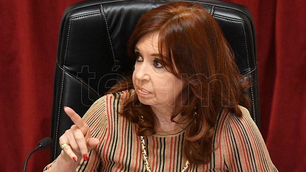 Cristina Kirchner cuestionó la tapa de un diario y su