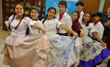 Destacada actuación de jóvenes de Federal en La Paz