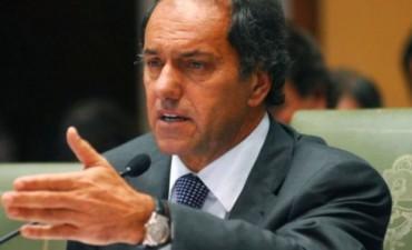 Scioli repudió las agresiones a Macri pero criticó sus medidas