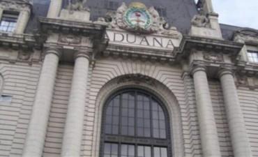 El Gobierno desplazó de su cargo al Director de Aduana