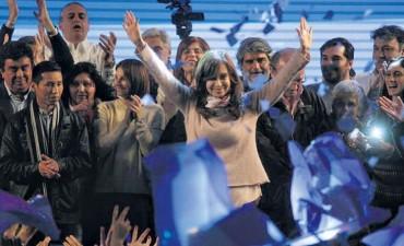 CFK relanzará su campaña mañana en el Club Atenas de La Plata