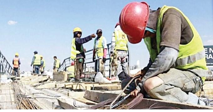 Leve retroceso del empleo registrado en la era Macri