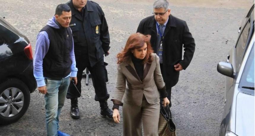 Cristina le pidió al Senado que autorice los allanamientos a su casa pero no quiere que haya cámaras de TV