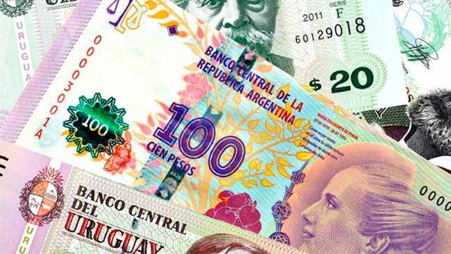 Por primera vez, el peso argentino vale menos que el uruguayo