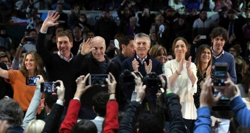 Eufórico y con fuerte arenga, y a los gritos,  Macri cerró campaña porteña: