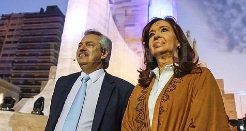 El Frente de Todos cerró su acto en Rosario con un abrazo entre Cristina Kirchner, Alberto Fernández y Sergio Massa