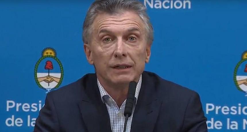 Macri culpó a los votantes por la estampida del dólar: