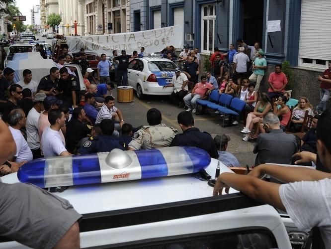 La Policía sancionó a más de 40 uniformados por la sedición en Concordia durante 2013