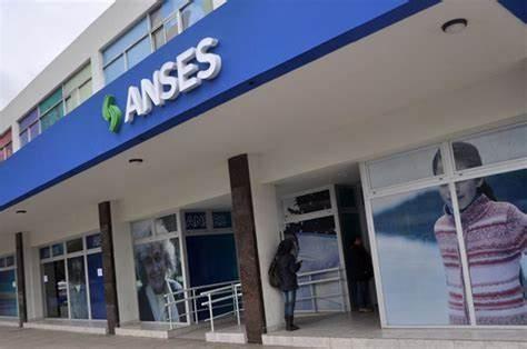 Anses oficializó aumento de jubilaciones y anunció cronogramas de pagos